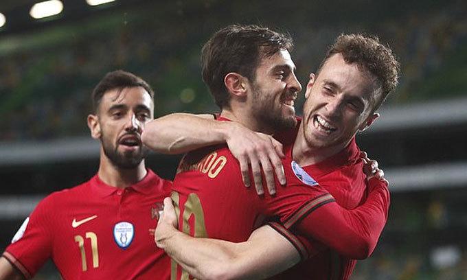 Bồ Đào Nha thắng đậm dù vắng Ronaldo