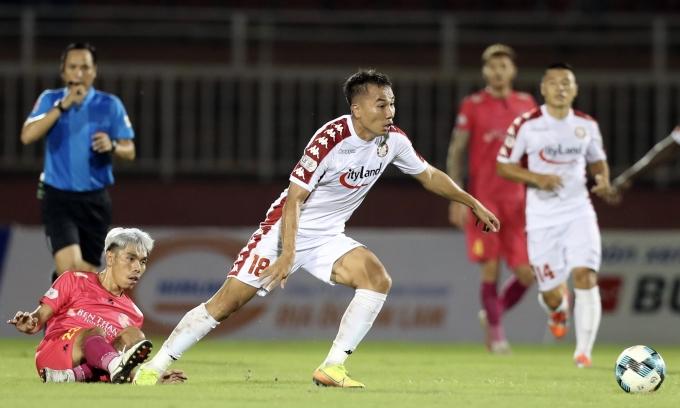 Sài Gòn xa dần đỉnh bảng V-League