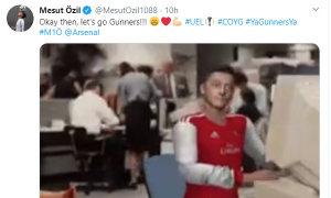 Ozil: 'Không được đến sân thì cổ vũ qua tivi'