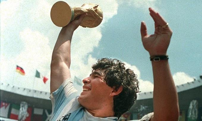 Maradona - người ngoại lệ của túc cầu