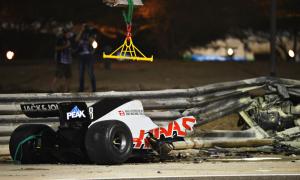 Xe F1 gãy đôi trong tai nạn ở GP Bahrain