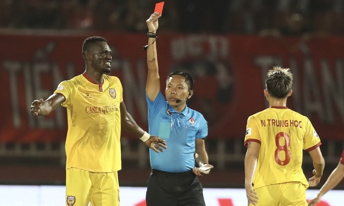 TP HCM 0-0 Hà Tĩnh (hiệp 2): Chủ nhà dâng cao đội hình