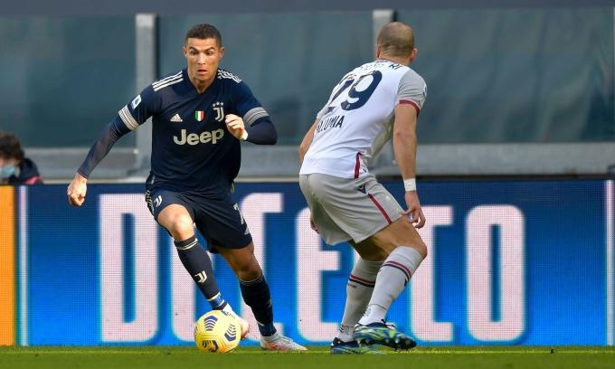 Juventus trở lại top 4 Serie A