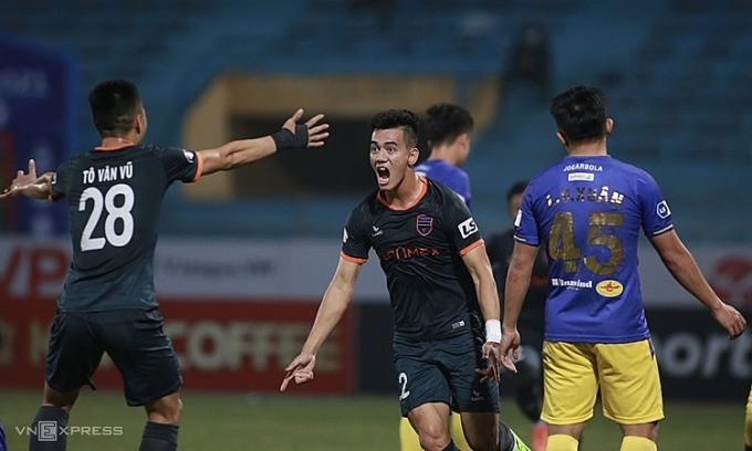 V-League 2021 – một mùa giải khó lường
