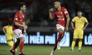 Lee Nguyễn vui khi thắng trận ra mắt V-League