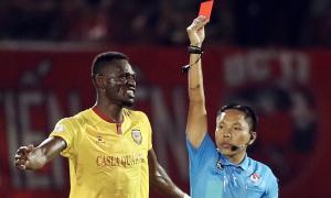 Ban trọng tài ủng hộ việc phạt thẻ cầu thủ Hà Tĩnh