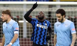 Inter lên dẫn đầu Serie A