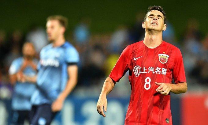 Oscar và cái giá phải trả khi chơi bóng ở Trung Quốc