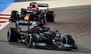 Hamilton nhất chặng mở màn F1 2021