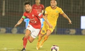 Lee Nguyễn giúp CLB TP HCM thắng trở lại