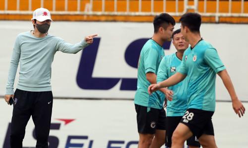 HLV Hàn Quốc giúp Hà Nội rèn quân đấu HAGL