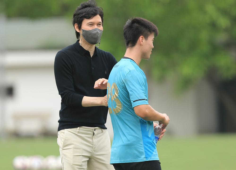 Hà Nội FC bổ nhiệm HLV Hàn Quốc