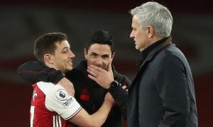 Mourinho - gã thợ may lỗi thời