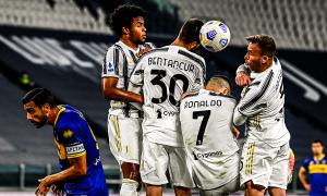 Juventus có thể cấm Ronaldo đứng rào