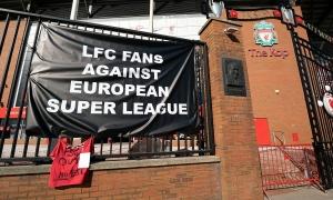 Đối tác huỷ hợp đồng để phản đối Liverpool