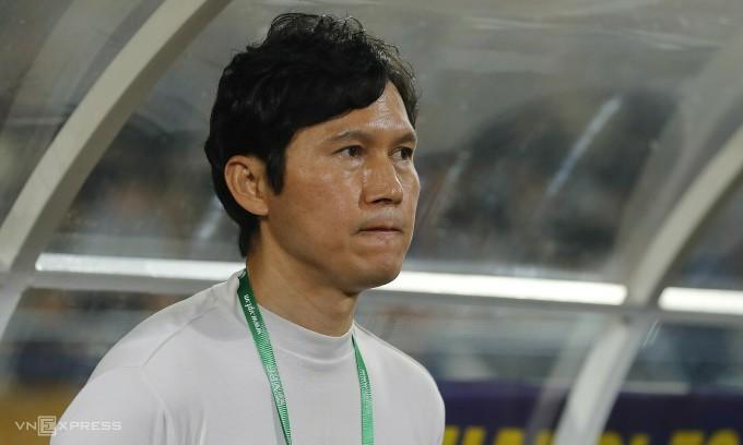 Tân HLV Hà Nội than thiếu cầu thủ