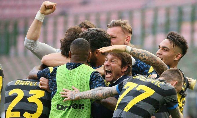 Cầu thủ Inter giảm lương để CLB giữ Conte
