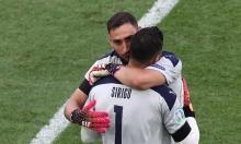 HLV Mancini được khen vì thay thủ môn phút 89