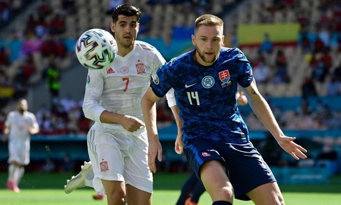 Slovakia 0-5 Tây Ban Nha: Dubravka đốt lưới nhà