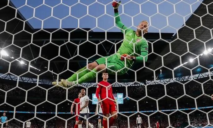 Anh 2-1 Đan Mạch: Harry Kane lập công