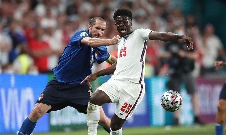 Italy thắng luân lưu ở chung kết Euro