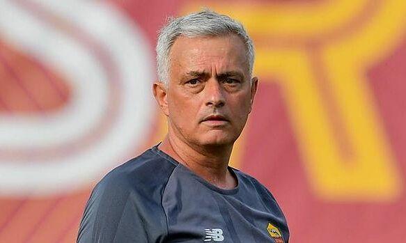 Mourinho bênh chiến thuật tử thủ của Southgate