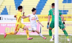 Chỉ hai CLB đồng ý dời V-League tới năm 2022