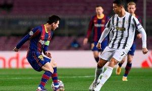 Barca đá giao hữu với Juventus