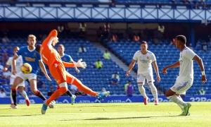 Real thua ngược đội bóng của Steven Gerrard