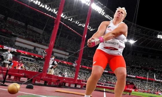 VĐV ném búa giành HC vàng ba kỳ Olympic
