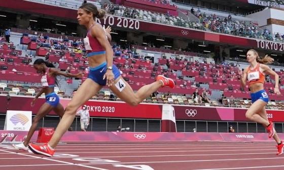McLaughlin phá kỷ lục thế giới 400m rào