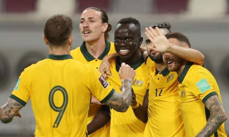 Australia 3-0 Trung Quốc