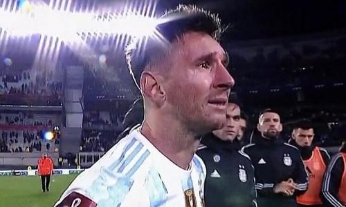 Messi liên tục khóc trong lễ mừng công Copa America