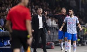 Solskjaer: 'Ronaldo không chỉ đạo cầu thủ Man Utd'