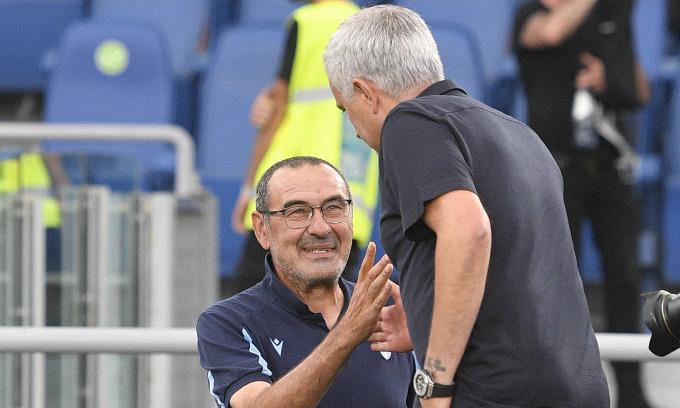 Mourinho lần đầu ôm hận trước Sarri
