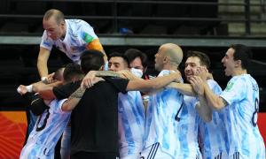 Barzil đấu Argentina ở bán kết futsal World Cup