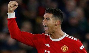Ronaldo lại vượt Messi